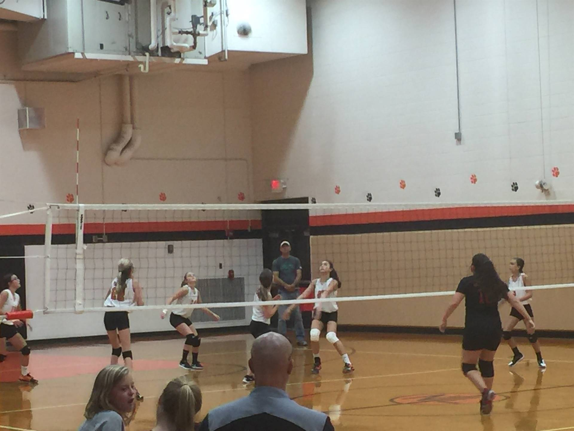 7th grade volleyball in action against Crooksville.
