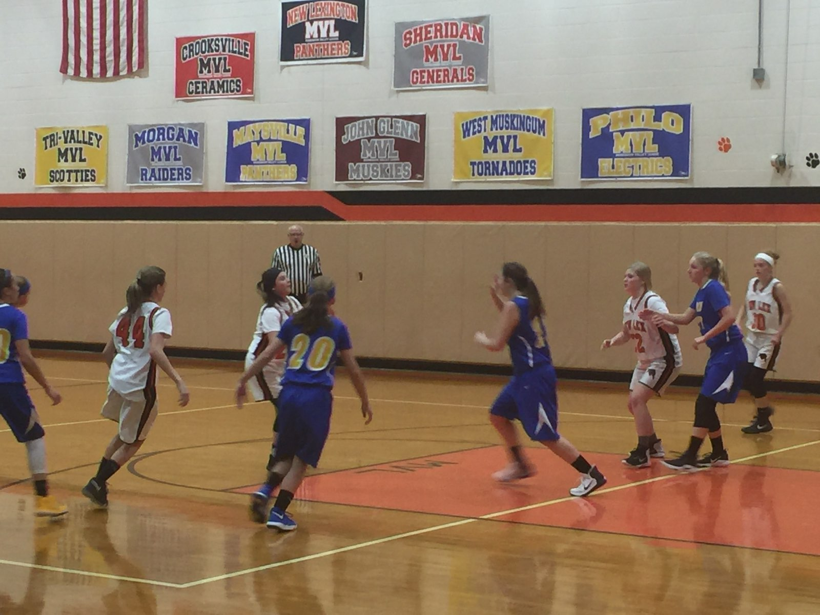 8th Grade Girls Basketball going for the win against Philo