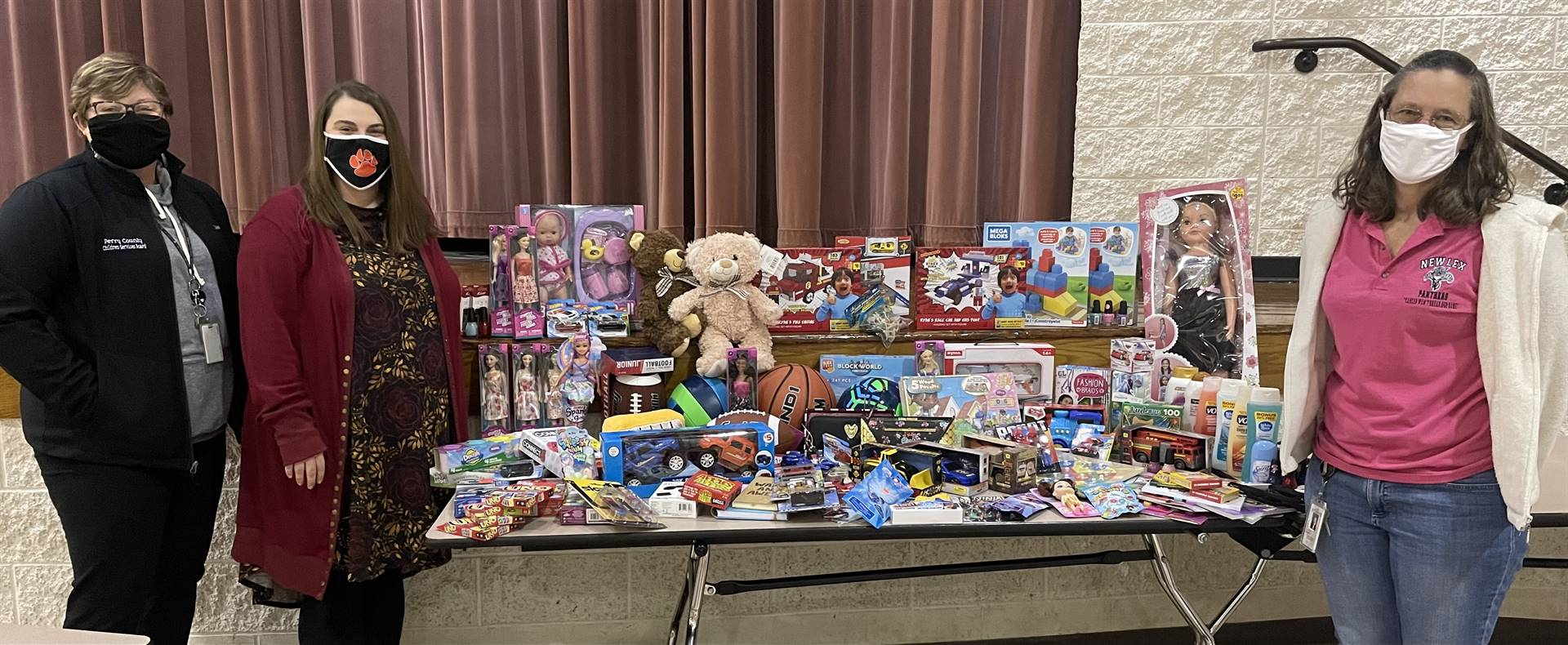 NLHS Toy Donation to Perry County Children's Services